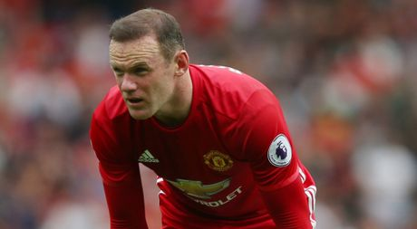 That sung o Man United, Rooney duoc HLV Koeman va Osman du ve Everton - Anh 1