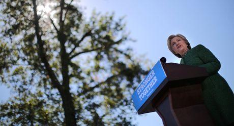 Quan doi My lo ba Clinton co the cham ngoi chien tranh voi Nga - Anh 1
