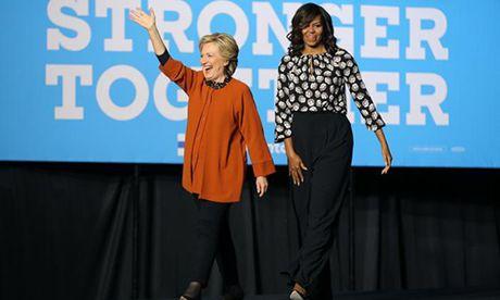 Michelle Obama cung xuat hien, goi ba Clinton la 'co gai cua toi' - Anh 1
