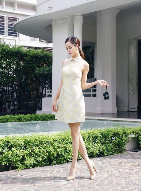 Vu Ngoc Anh quyen ru den ngan ngo khi dien dam ngan cua Le Thanh Hoa - Anh 4