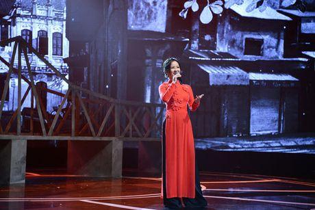 Hong Nhung lan dau hat 'Co phai em mua thu Ha Noi' ban acoustic - Anh 1