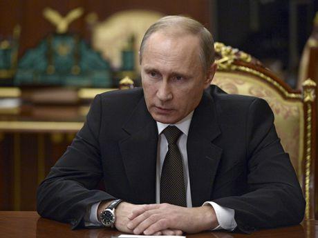 Ong Putin doa phan ung manh sau khi tau chien Nga bi NATO 'lam kho' - Anh 1