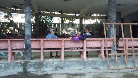 San phu chet bat thuong tai benh vien, nguoi than khong chiu mang xac ve - Anh 2