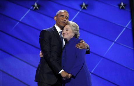 Giai doan nuoc rut, ong Obama van dong tranh cu cho ba Clinton moi ngay - Anh 1