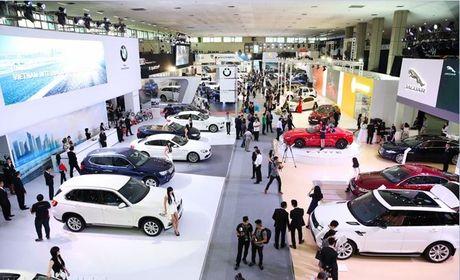 Mobil 1 tham gia trien lam 'Vietnam Motor Show 2016' - Anh 1