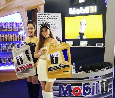 Mobil 1 tham gia trien lam 'Vietnam Motor Show 2016' - Anh 2