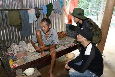 Nguyen Vu - Truong Thi May den vung lu tang qua nguoi ngheo - Anh 9
