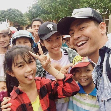 MC Phan Anh: Lam thien nguyen minh bach thi sao phai so! - Anh 1