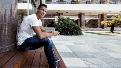 Ronaldo lai gay soc voi nhung tuyen bo bi cho la 'day chat kieu ngao' - Anh 2