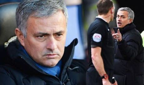 TIET LO: Mourinho da thoat an phat nang cua FA mot cach tai tinh - Anh 2