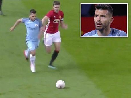 Man United: Michael Carrick xung dang duoc da chinh hon Fellaini - Anh 3