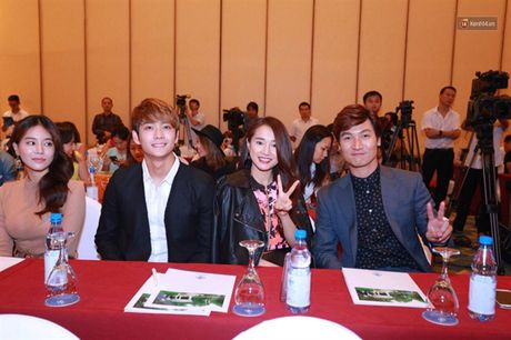 Showbiz 28/10: Pham Bang Bang bi goi la 'con hat', Tran Thanh chua cuoi Hari Won - Anh 2