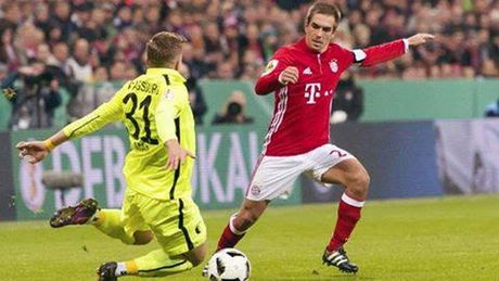 Augsburg kho co co hoi lam nen dieu ky dieu truoc Bayern Munich - Anh 1