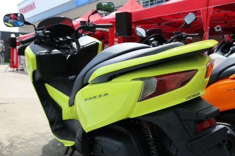 So gang Yamaha X-Max 300 va Honda Forza 300 - Anh 13