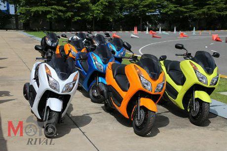 So gang Yamaha X-Max 300 va Honda Forza 300 - Anh 5