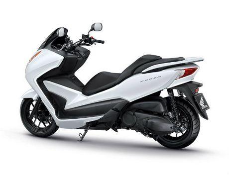 So gang Yamaha X-Max 300 va Honda Forza 300 - Anh 9