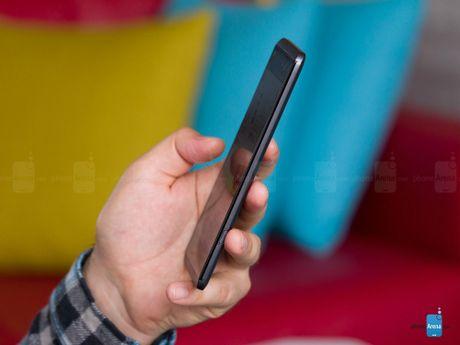 Danh gia LG V20: Camera 'trau', cau hinh manh me - Anh 5