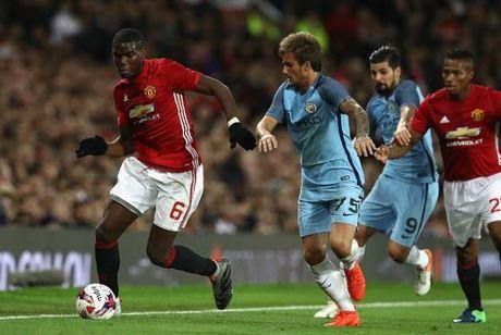 Huyen thoai Liverpool chi ra van de cua Mourinho o Man United - Anh 1