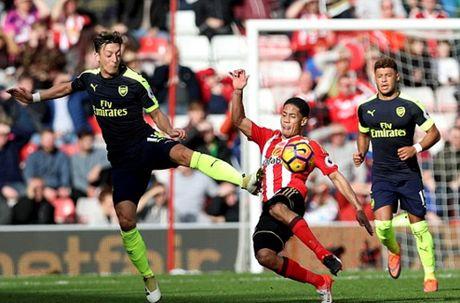 Giroud tao khac biet, Arsenal huy diet Sunderland - Anh 1