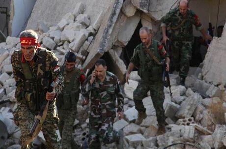 Loat anh nong hoi tren chien tuyen Aleppo o Syria - Anh 9