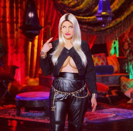 Chan kinh di, sao Hollywood hoa trang thanh sao trong le Halloween - Anh 1