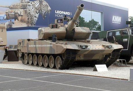 Sieu tang Duc Leopard 2A7+ lan dau tien toi dat Trung Dong - Anh 2