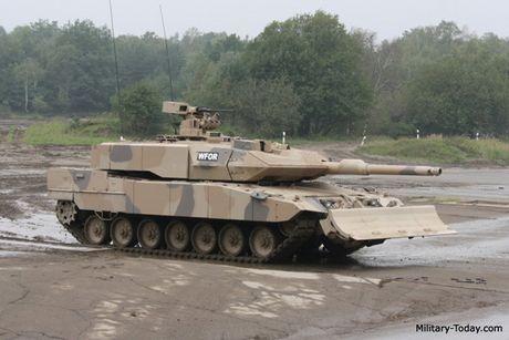 Sieu tang Duc Leopard 2A7+ lan dau tien toi dat Trung Dong - Anh 3