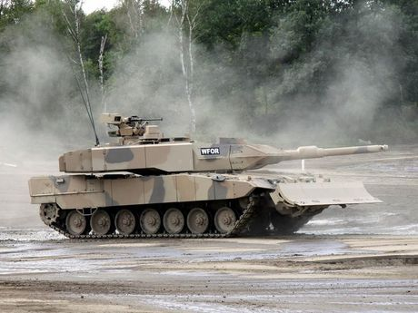 Sieu tang Duc Leopard 2A7+ lan dau tien toi dat Trung Dong - Anh 7