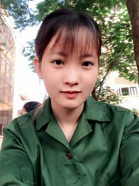 Nu sinh mac do tap quan su 'xinh nhat Vinh Bac bo' - Anh 2