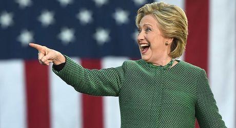 Ba Hillary Clinton tiep tuc chiem uu the - Anh 1