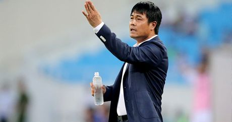 Diem tin chieu 29/10: HLV Huu Thang tham Incheon, Sao U19 Viet Nam len doi 1 - Anh 1