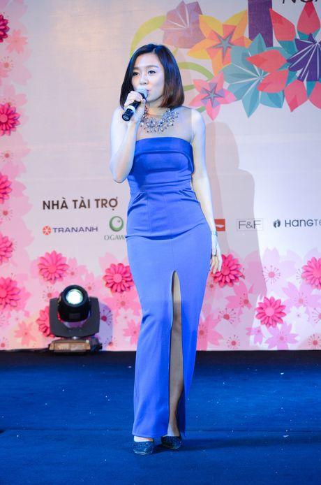 Chay cung Noo Phuoc Thinh tai Sinh nhat ngan hoa AEON MALL Long Bien - Anh 5
