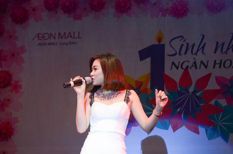 Chay cung Noo Phuoc Thinh tai Sinh nhat ngan hoa AEON MALL Long Bien - Anh 6
