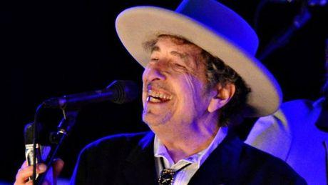 Bob Dylan mo mieng ve giai Nobel van chuong cho minh - Anh 1