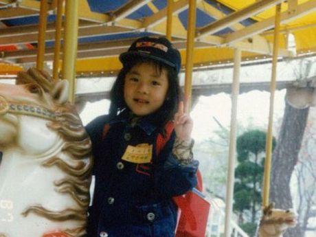 Quiz: Nhin anh au tho doan ten idol Kpop (2) - Anh 9