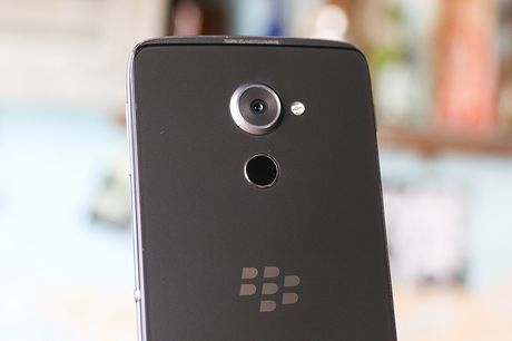 DTEK 60 gia 'sieu khung' cua Blackberry co gi dac biet? - Anh 6
