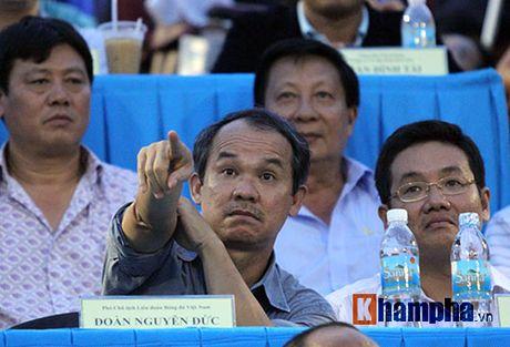 Goc nhin U19 VN: Bau Duc cam cho tien, VFF thuong bac ty - Anh 2