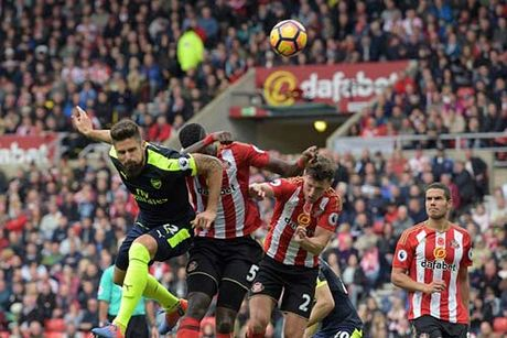 Sunderland - Arsenal: Kinh ngac con bai tu ghe du bi - Anh 1