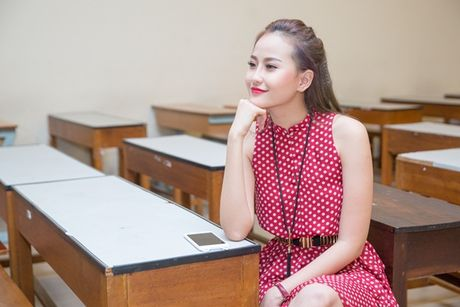 A quan The Face Khanh Ngan xinh dep khien sinh vien 'ban loan' tai su kien - Anh 2