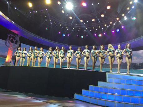 Chung ket hoa hau Trai Dat 2016: Miss Ecuador dang quang, Nam Em lot top 8 - Anh 2
