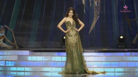 Chung ket hoa hau Trai Dat 2016: Miss Ecuador dang quang, Nam Em lot top 8 - Anh 3