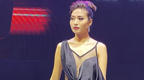 Ve dep nong bong cua dan nguoi mau tai VIMS 2016 - Anh 3