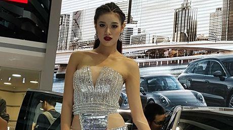 Ve dep nong bong cua dan nguoi mau tai VIMS 2016 - Anh 5