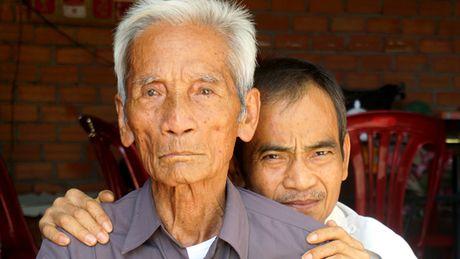 Boi thuong an oan ong Huynh Van Nen: Dang thuong luong nhung gi? - Anh 1