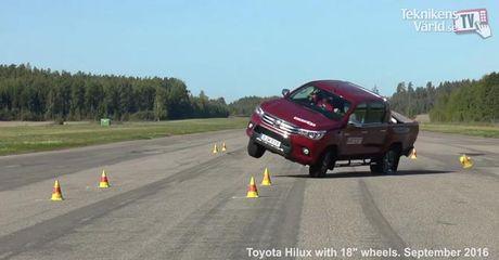 Toyota Hilux van la mau xe de lat nhat trong moi thu nghiem - Anh 1