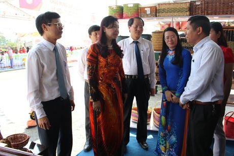 Phu Xuyen khai mac le hoi vinh danh lang nghe co te - Anh 1