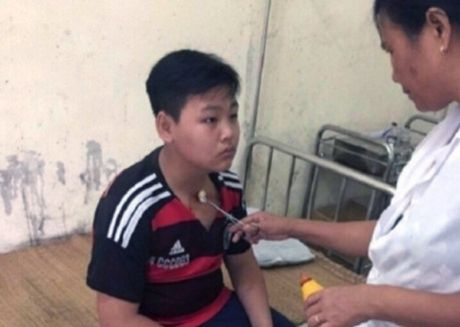 Thay giao danh hoc sinh tai Thanh Hoa: Mong mot co hoi sua sai - Anh 1