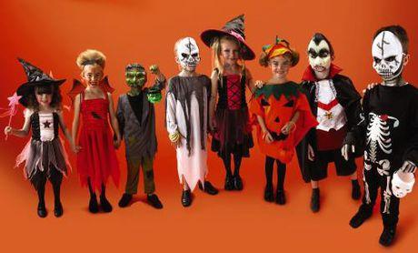 Halloween - Dem kinh hai thu vi - Anh 2