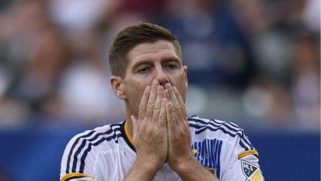 LA Galaxy se 'tram' Gerrard de don duong cho Rooney - Anh 2