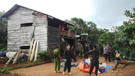 Vu no sung lam 19 nguoi thuong vong o Dak Nong: Them hai anh em ruot ra dau thu - Anh 1